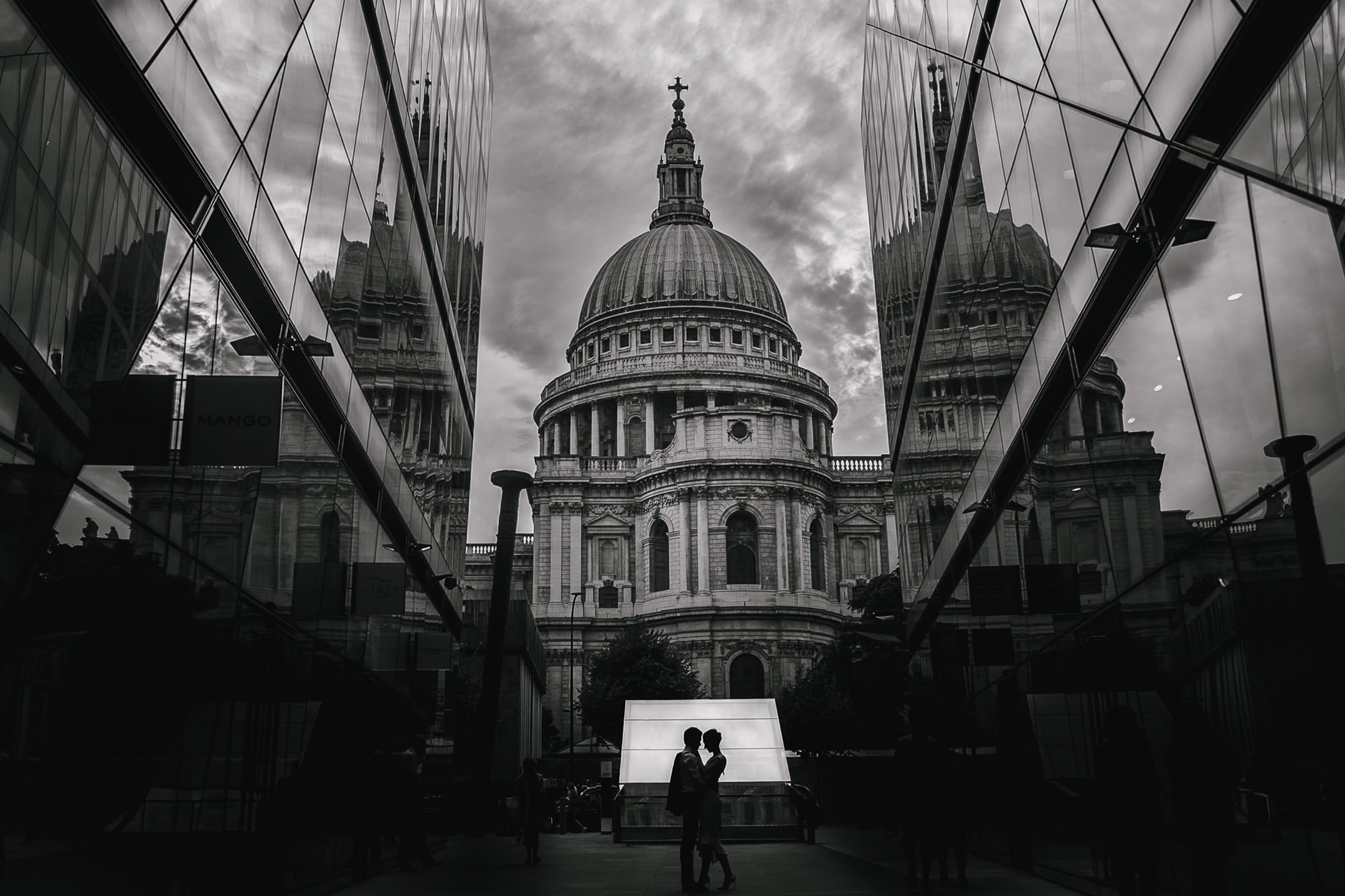 St Pauls engagement shoot